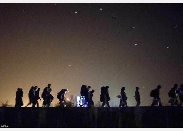 وصول أكثر من 4500 طالب لجوء إلى المانيا بالقطار أمس