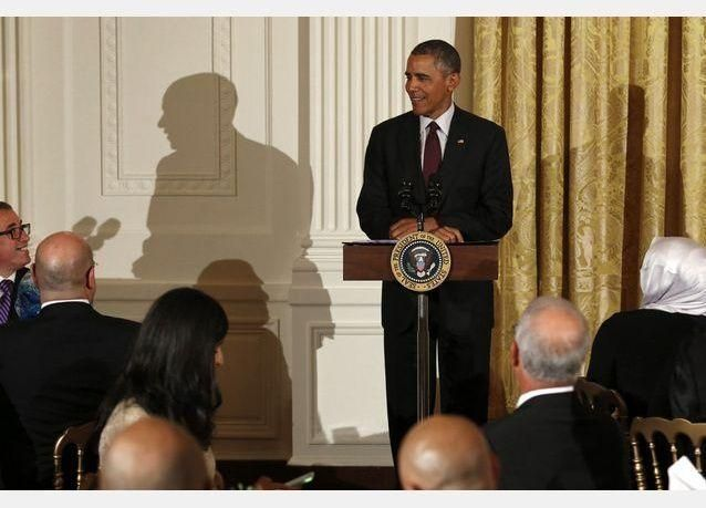 بالصور: أوباما يستضيف إفطارا للمسلمين احتفاءا برمضان