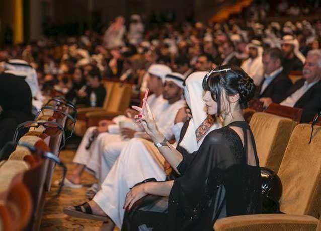 """بالصور : أبوظبي تستضيف العرض العالمي الأول لفيلم """"حرب النجوم"""""""