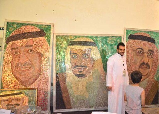 سعودي يرسم أكبر لوحة فنية بالعالم بـ 50 ألف عملة معدنية