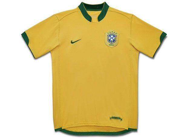 ما هي قصة القميص البرازيلي الأصفر؟