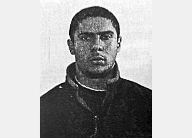 المشتبه به في إطلاق النار على عميلي موساد في متحف يهودي في بلجيكا أمضى عاما بسوريا