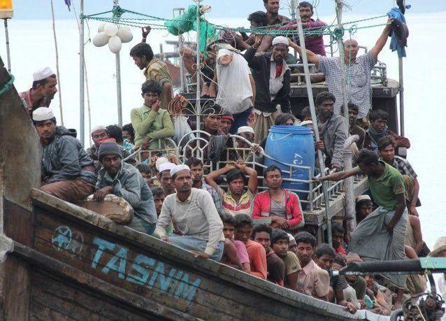 غرق قارب يقل نحو 100 من مسلمي الروهينحيا قبالة ساحل ميانمار