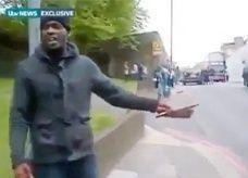 باسم الإسلام: صدمة في بريطانيا بعد قتل جندي وقطع رأسه بالسواطير والسكاكين