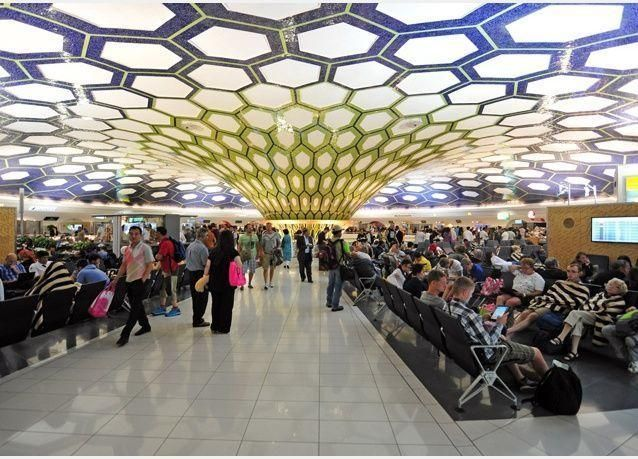 مطار أبوظبي الدولي يستعد لموسم الصيف بإضافة 271 رحلة أسبوعية