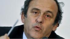 بلاتيني يدعو قطر لإشراك دول خليجية في تنظيم نهائيات كأس العالم 2022