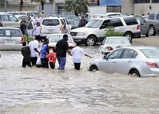 السعودية: في تطور جديد بقضية سيول جدة.. قيادي بالمياه متهم بالتزوير