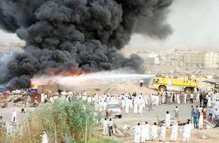 5 مليون ريال خسائر حريق هائل بمستودع بطاريات بالسعودية