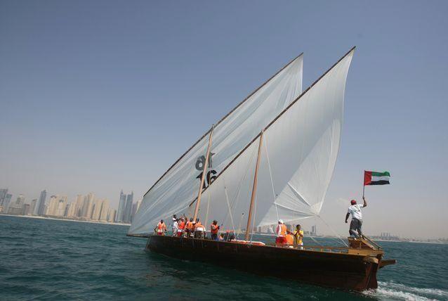 1  يناير 2015 بدء تنفيذ إلزامية رخصة قيادة الوسائل البحرية في دبي