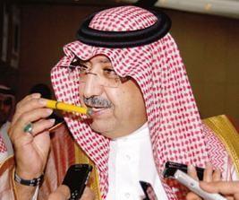 وزير التربية السعودي يتخلى عن أقلامه الملونة الشهيرة