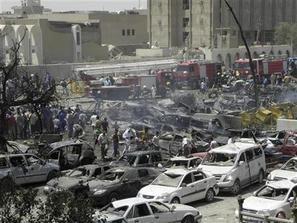 54 قتيلاً وجريحاً في هجوم على مسجد في بغداد بعد صلاة العشاء