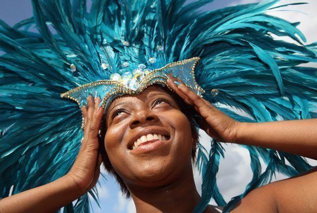 بالصور: شوارع لندن تشهد أكبر مهرجاناتها تحت حراسة مشددة