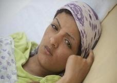 """""""ديلي ميل"""":مجندة للقذافي تعترف بقتل 11 سجينا من الثوار"""