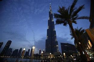 سكان برج خليفة التزموا بفتوى تأخير إفطارهم طوال شهر رمضان