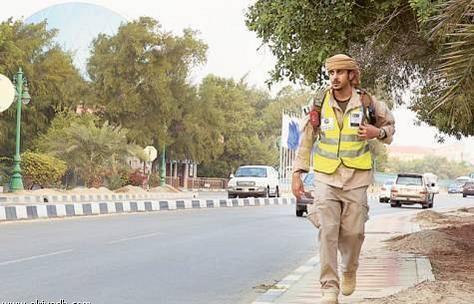 إماراتي يقطع 2000 كلم مشياً إلى مكة لدعم الأطفال المعاقين