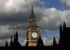 البنوك في بريطانيا تواجه إعادة هيكلة