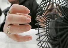 أجهزة تجفيف طلاء الأظافر قد تتسبب بسرطان الجلد