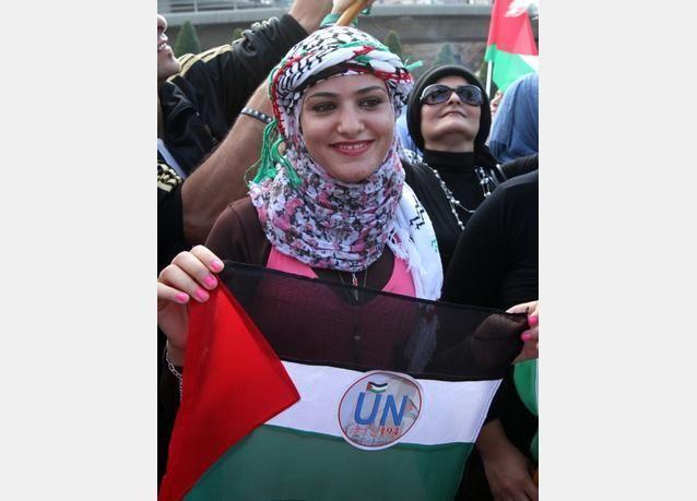 بالصور: الفلسطينيون يطالبون الأمم المتحدة الاعتراف بدولتهم