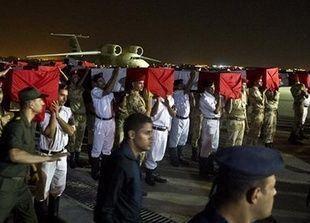 سقوط 33 جنديا مصريا بإحدى أكبر الهجمات الإرهابية شمال سيناء وفرض الطوارئ
