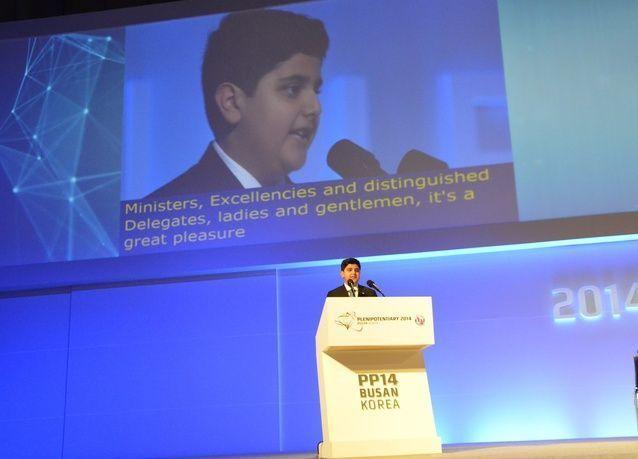 3000 مندوب في مؤتمر دولي يصغون لنابغة إماراتي في العاشرة من عمره