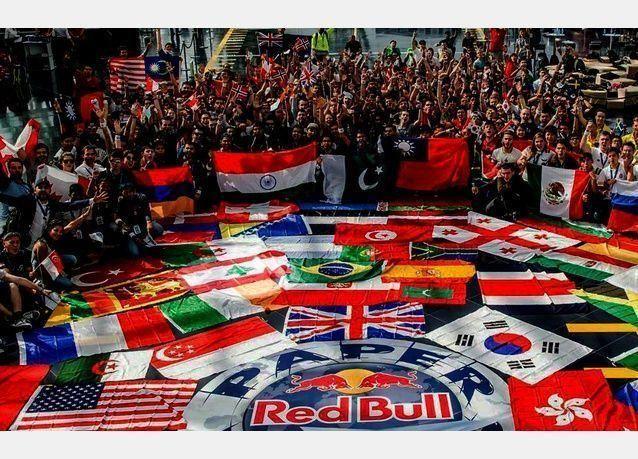 لبناني يفوز بمسابقة الحركات البهلوانية في بطولة العالم للطائرات الورقية بالنمسا