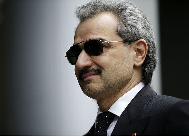 رجل أعمال سعودي يتبرع بـ 20 مليون ريال لنادي الهلال