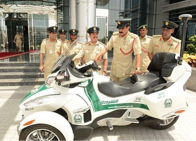 القيادة العامة لشرطة دبي تضيف الدراجات الفارهة لدورياتها