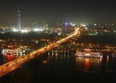 الإمارات تبحث آلية لمساعدة مصر بثلاثة مليارات دولار