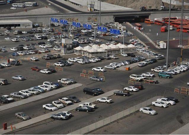 أجهزة دفع أجرة المواقف السعودية تقبل العملات الورقية