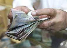 الدينار الكويتي يرتفع لمستوى تاريخي ويسجل 23 جنيهاً مصرياً