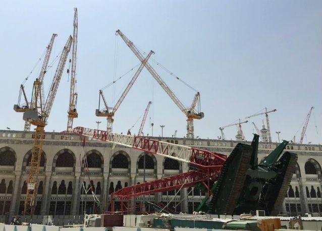 السعودية : استجواب 9 مهندسين ومختصين في سقوط رافعة الحرم