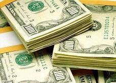 القذافي أخرج من ليبيا أكثر من 200 مليار دولار