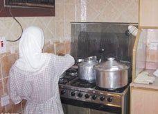 خادمة تحرق ابني كفيلها السعودي بماء حار