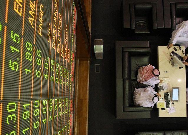 أسهم الإمارات تتفوق على المنطقة وجني الأرباح يهبط ببورصتي السعودية ومصر