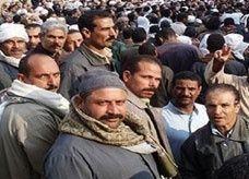 المصريون في السعودية يبدأون بشراء شهادات إيداع بالدولار لدعم اقتصاد بلدهم