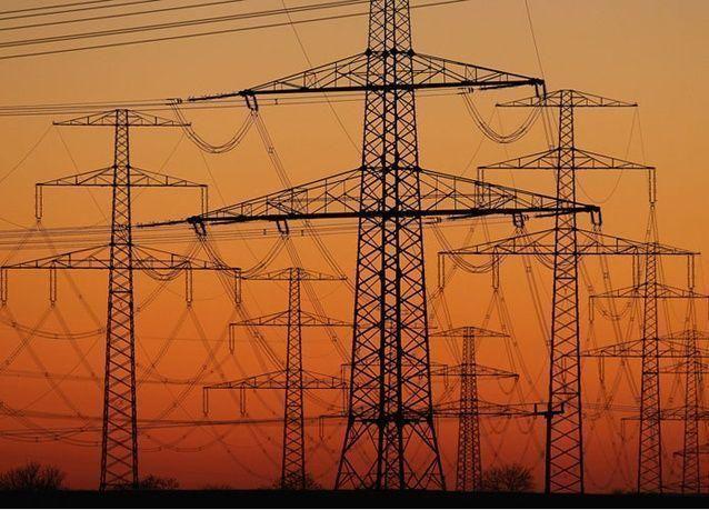 السعودية تؤجل مشاريع بناء محطات كهرباء بالطاقة الشمسية بسبب التكلفة