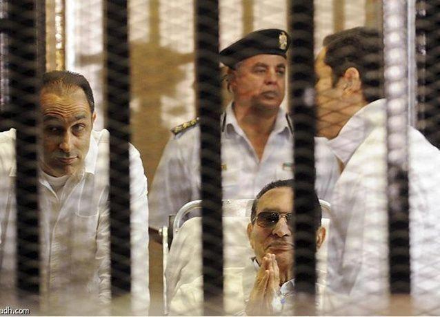 تأييد حكم قضائي بالسجن ثلاث سنوات على مبارك وابنيه في قضية فساد
