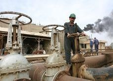 6.8 مليار دولار صادرات النفط العراقي في يونيو