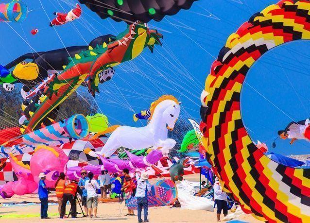 دبي تطلق أكبر مهرجان للطائرات الورقية في العالم