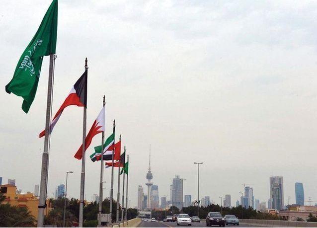 الكويت تطرد سعودياً لقيادته سيارة دون رخصة