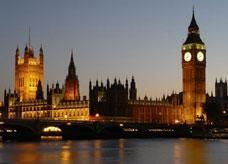 طيران الإمارات ترعى أول خط لمركبات التلفريك في بريطانيا