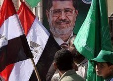 """تقرير: """"مرسي"""" سيصدر قراراً سيادياً برفع حصار غزة كاملاً"""