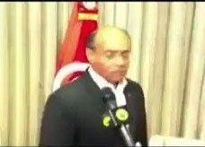 """الرئيس التونسي ينفجر بوجه صحافي ويشتمه: """"مغفل وقليل الحياء"""""""