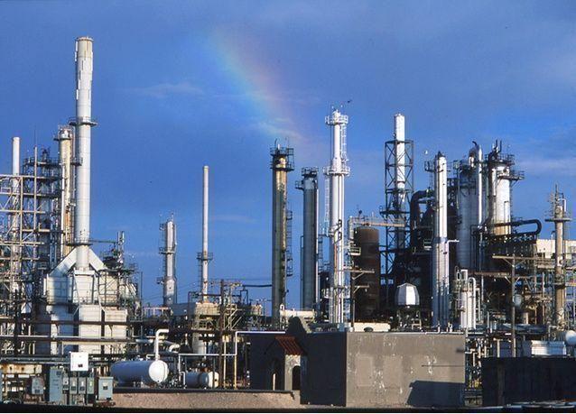 ارتفاع أسعار النفط بسبب برودة الطقس في أوربا وأمريكا والمكاسب تبقى محدودة