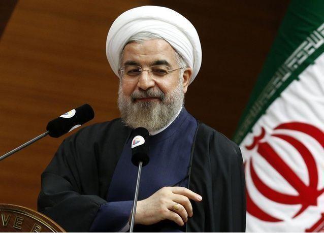 الرئيس الإيراني يدعو لإصلاحات اقتصادية وتقليل الاعتماد على النفط