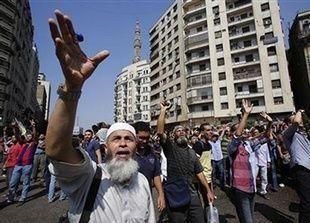 السياحة في مصر تواجه خطر الانهيار مع تدهور الأوضاع أمنياً