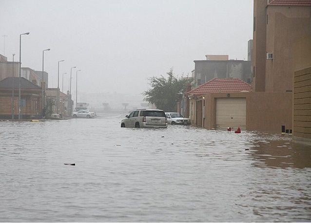 أمطار رعدية وغبار على معظم مناطق السعودية