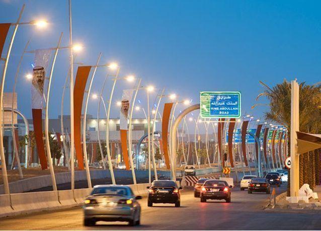 """مذيع سعودي يتلقى ملايين الريالات من """"القذافي"""" لإثارة الفتن بين المقيمين"""