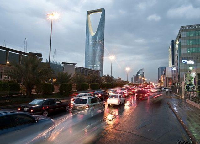 هيئة مكافحة الفساد السعودية تعيد النظر في نظام طرح المناقصات الحكومية