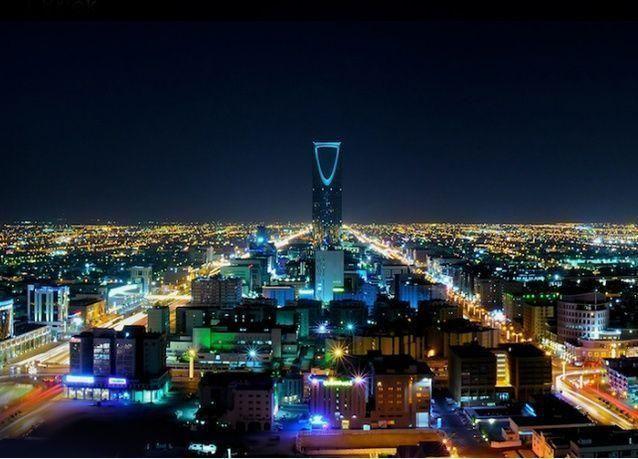 قطاع الصناعات الدوائية والطبية والتقنيات الحيوية يتصدر أنشطة الاندماج والاستحواذ في السعودية عام 2015